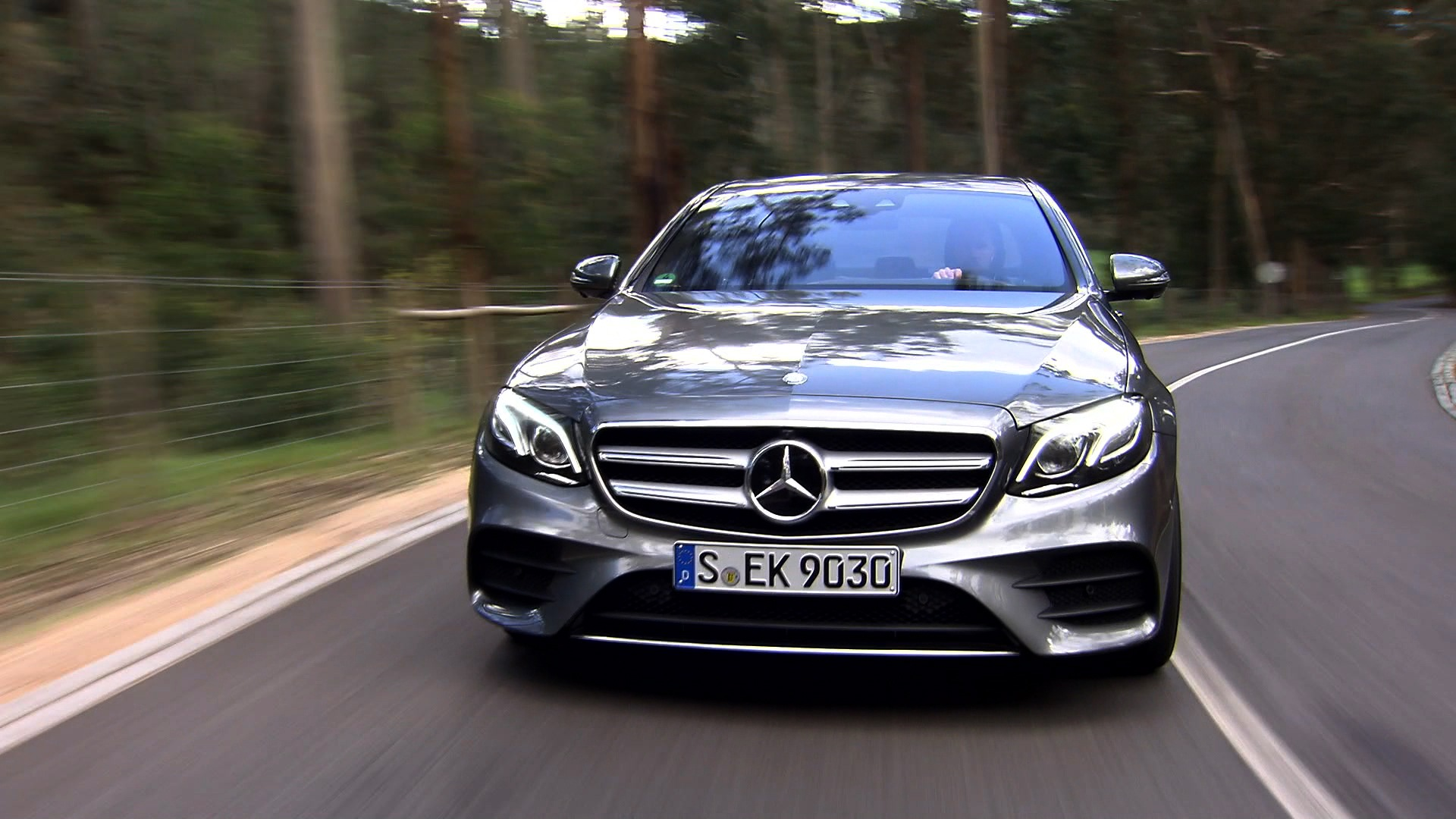 2017 mercedes benz e class canadian car reviews for Mercedes benz a class 2017