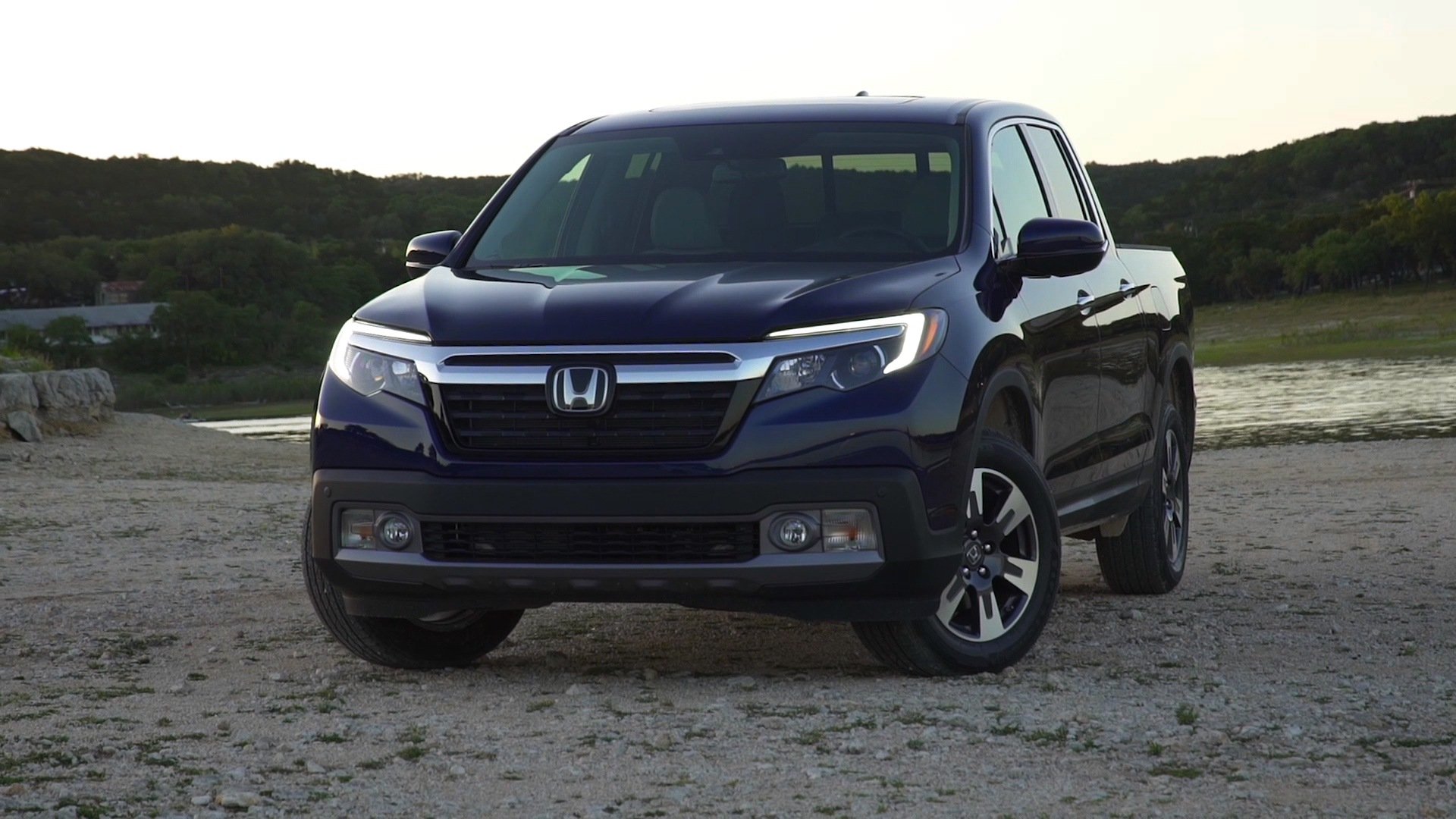 2017 Honda Ridgeline Canadian Car Reviews Driving Television Boat Towing With