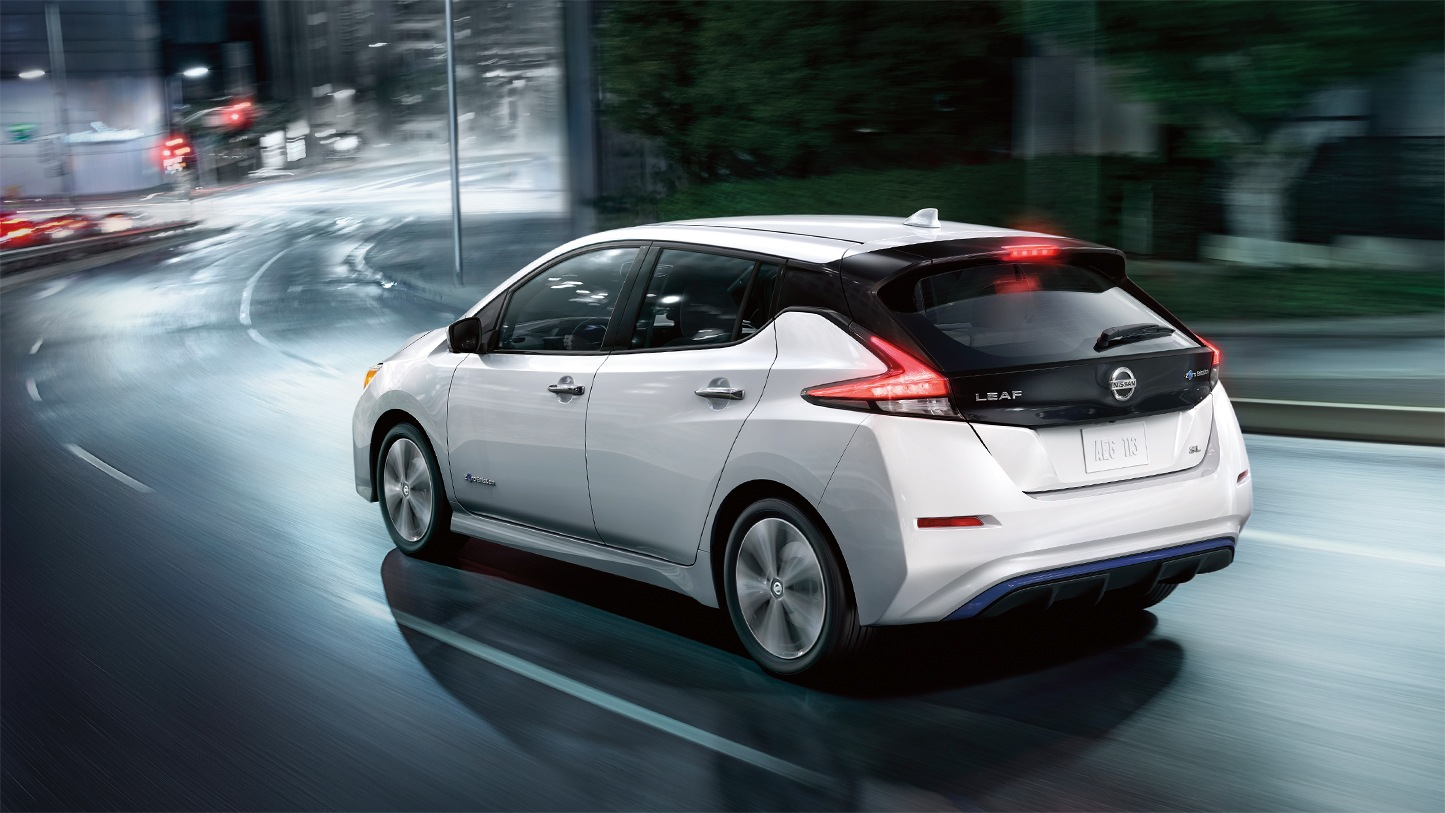 It's a win with the all-electric 2018 Nissan Leaf ...
